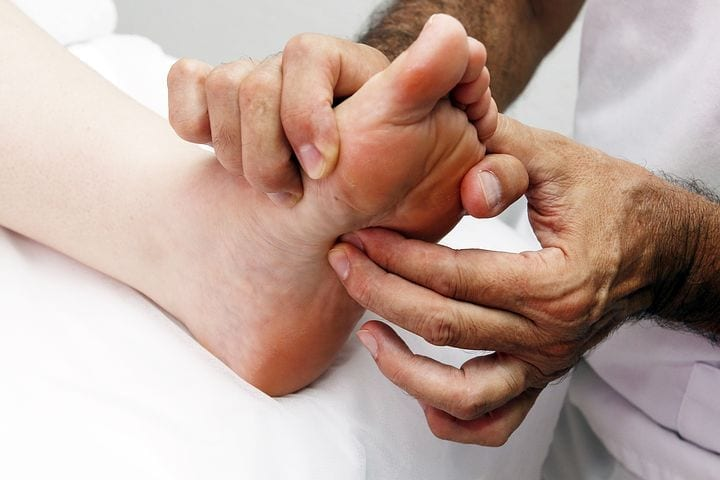 Video: Strengthen Kidney Functions with Foot Reflexology