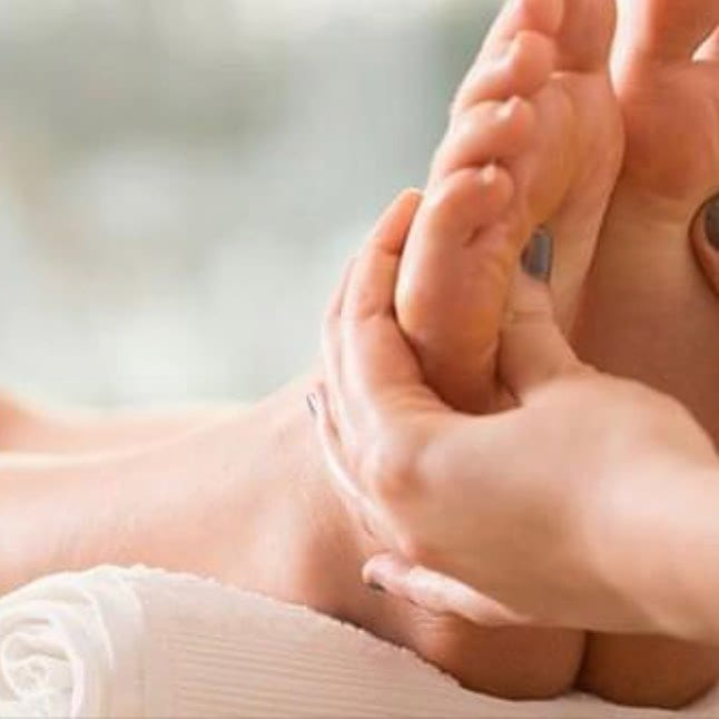 Too many do not know much about the healing art of reflexology and fall prey to the low cost foot massage parlors. Here is an article that I wrote describing the difference and then you can make an educated decision which service is best for you. http://healingplacemedfield.com/difference-foot-rub-reflexology/ #footparlor #dontbefool #healing #footrub #holistic #energyhealing #bewell #chakras #positivity #ENERGY #mindbodyspirit #selfhealing #holistic #highvibelife #reiki #health #donthatemeditate #belight #energyhealers #beintheflow #energymedicine #breaknegativity #mindfulness #getintouch #reflexology #footreflexology